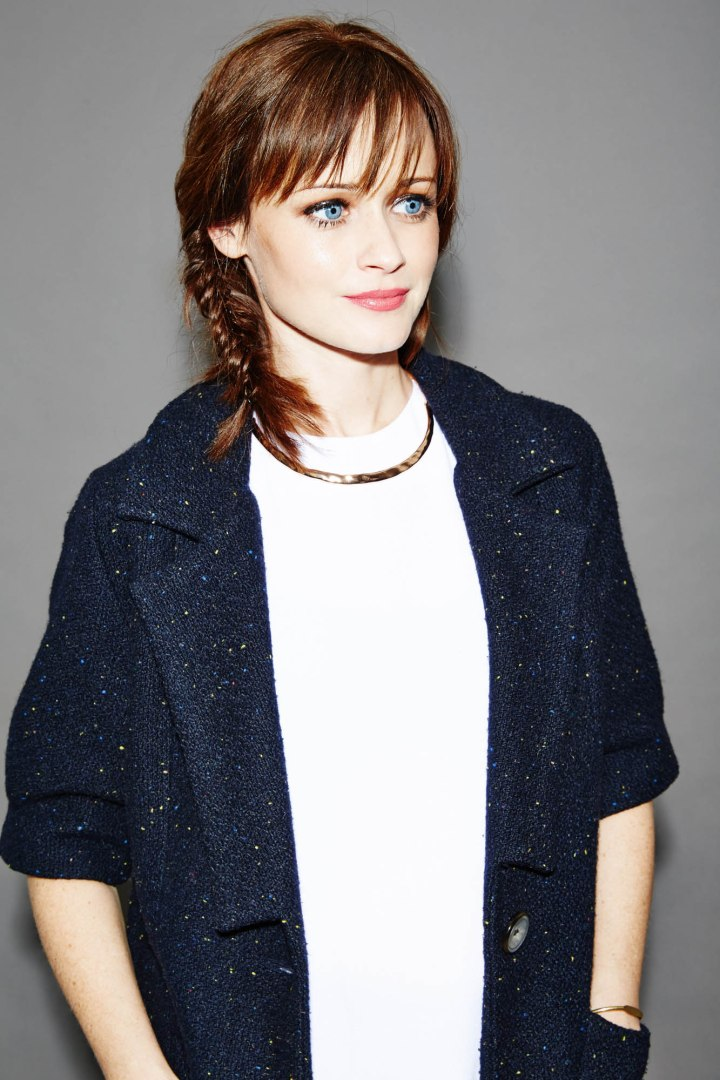 Nylon_AlexisBledel_Shot3_176-RT